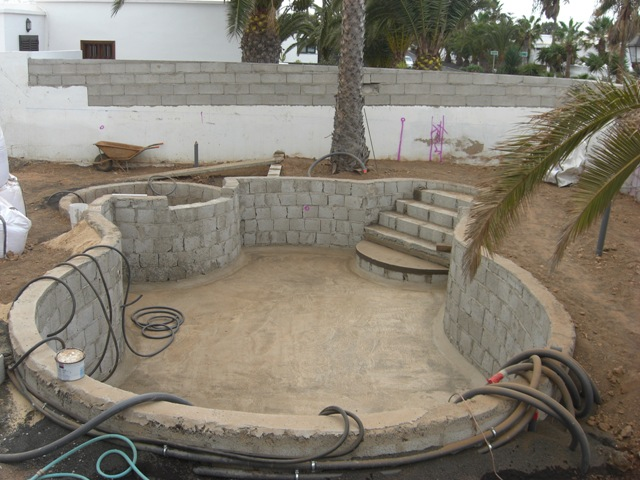 Pool layout and landscaping for Pool design layout