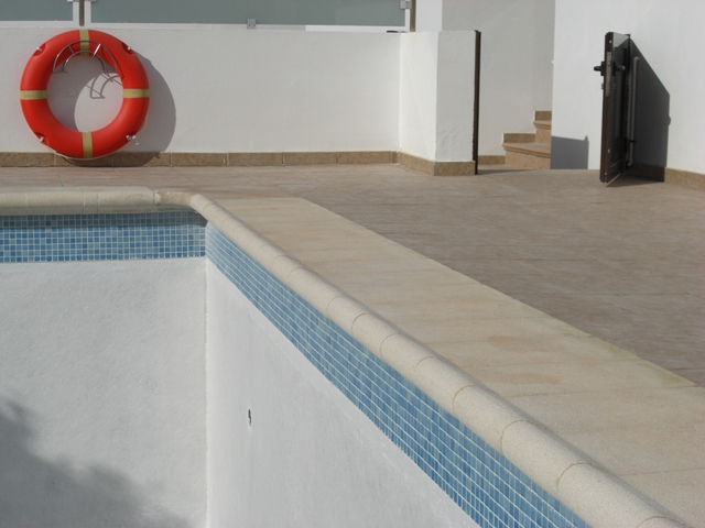 Fibreglass Swimming Pools Repairs Painting And Complete